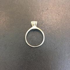 ダイアモンドの立爪リングのリフォーム Before